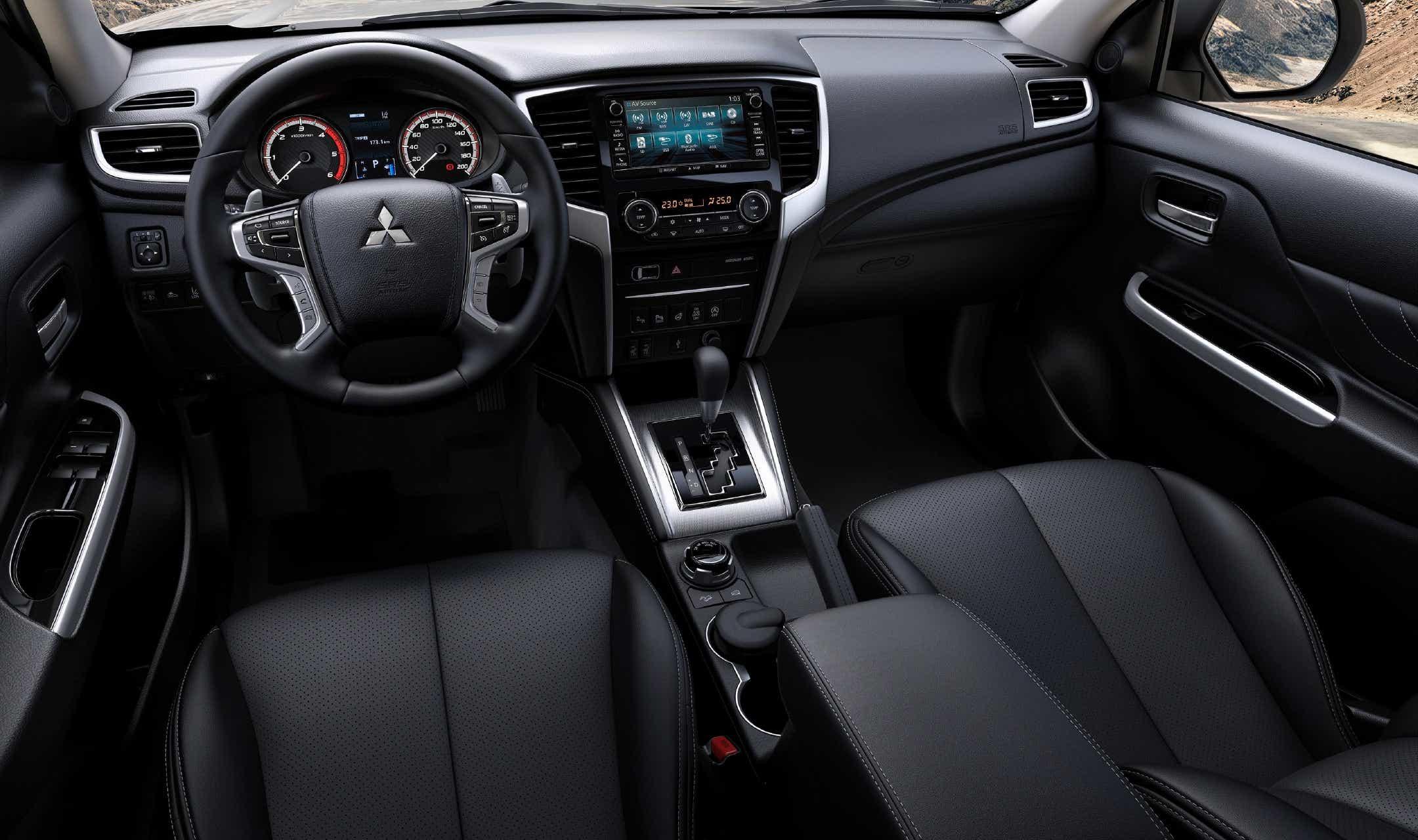 2020 Mitsubishi L200 Images